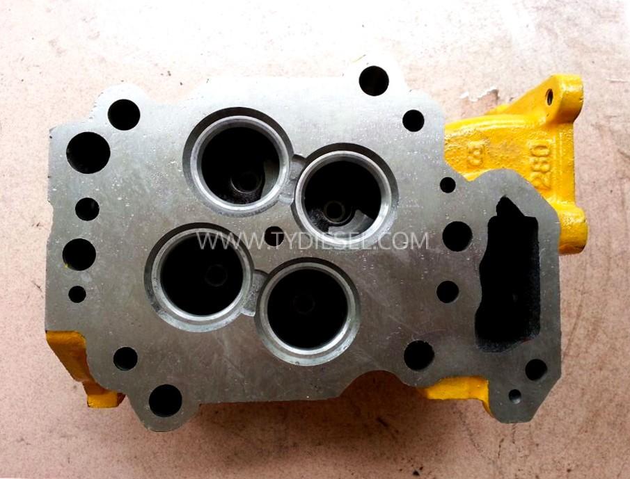 Komatsu 6D125 Cylinder Head