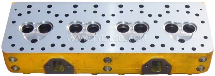 Komatsu 4D130 Cylinder Head
