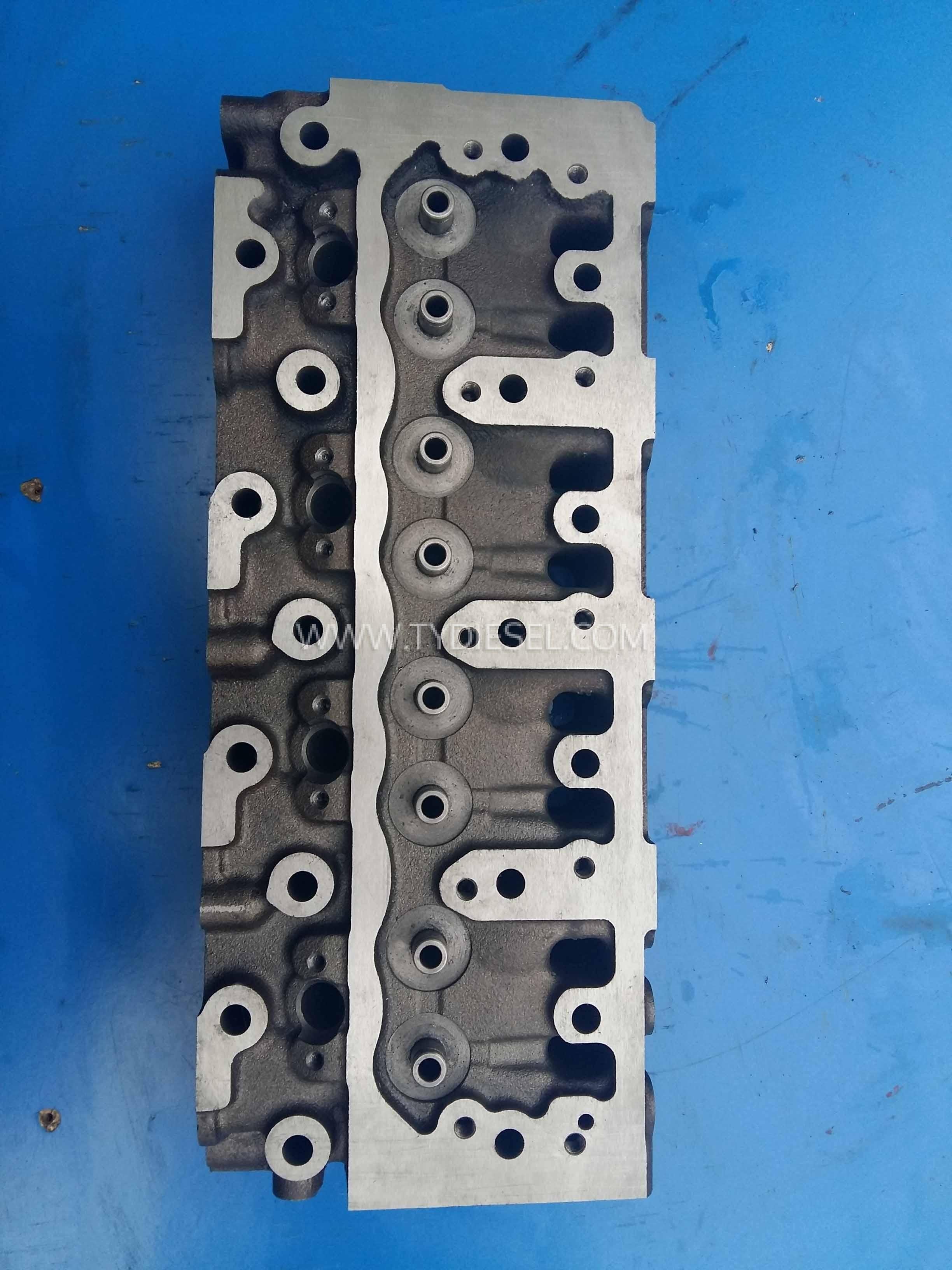 Yannar 4TNE84 Cylinder Head
