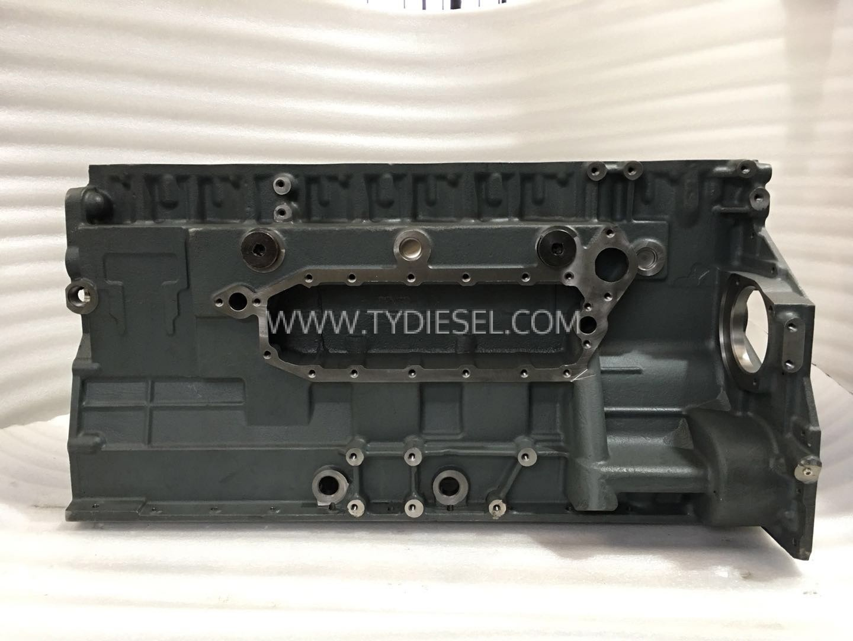 KOMATSU 6D125-5 Cylinder Block